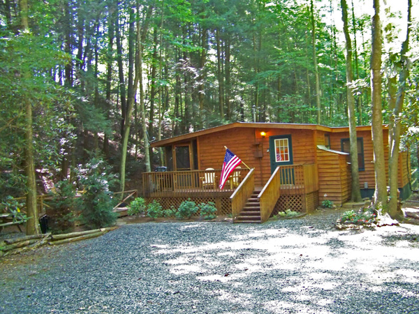 Bon Georgia Pet Friendly Cabin Rental   Creekside Serenity